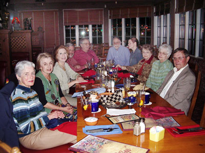 DCGIA members enjoying dinner in Tucson 2006