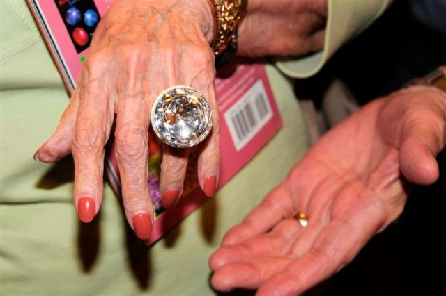 Dee Williams jewel