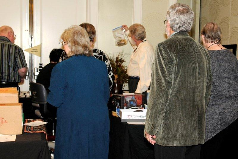 DCGIA Chapter 2012 Holiday Auction & Party (2/6)