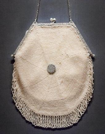 1Hand Bag