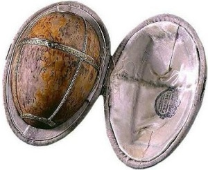 Karelian Birch Egg1